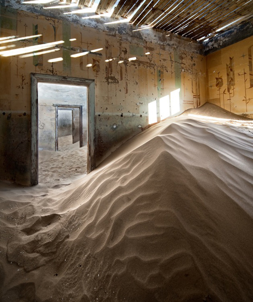 house in Kolmanskop, Namibia